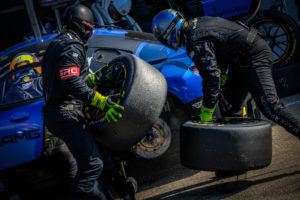 BES Silverstone Pitstop Black-Falcon AMG #4 | © Blancpain GT Series