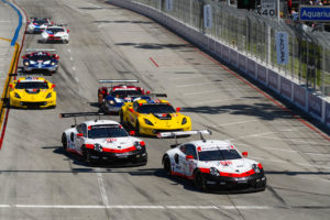 IMSA BUBBAGP 2019 Start DownTown Long Beach | © Porsche
