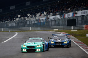 24hNBR Quali Race - Falken BMW #33 and Walkenhorst Motorsport BMW M6GT3 #101 | © BMW Motorsport / Alex Trienitz